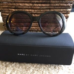 NWOT: Marc by Marc Jacobs Black Sunglasses